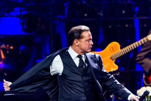 Luis Miguel durante su concierto el 13 de septiembre en el Honda Center de Anaheim, California.