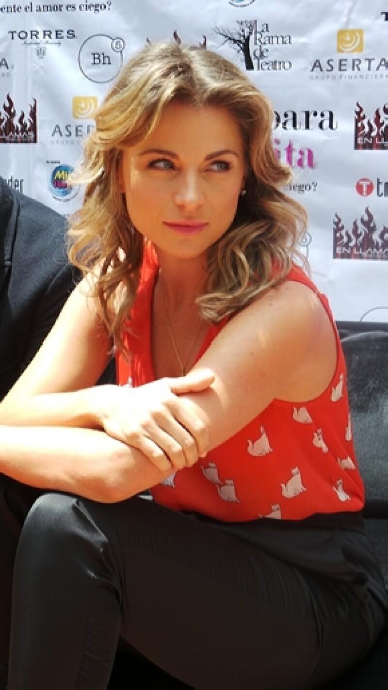 """La actriz, quien en pocos días estrenará la puesta en escena """"Razones para ser bonita"""",  destacó que Emiliano Salinas la apoya mucho ahora que está llena de proyectos."""