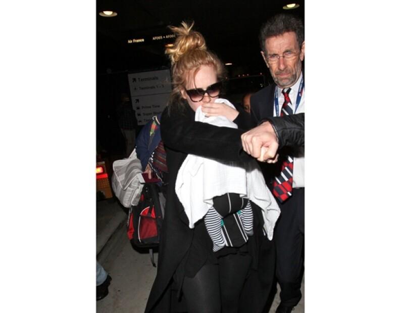 Adele ni siquiera ha confirmado el nombre de su hijo.
