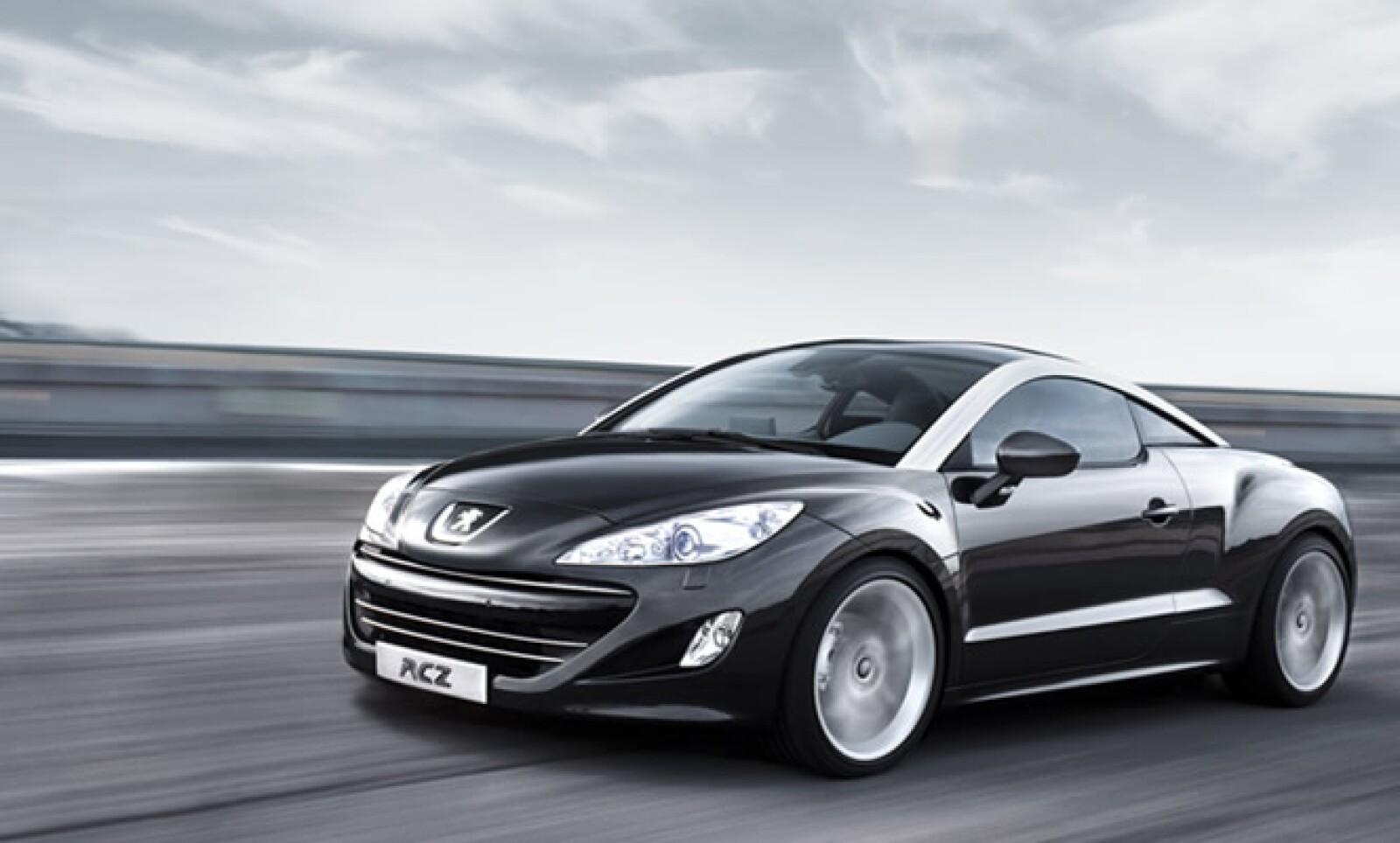 La firma automotriz francesa Peugeot presentó su nuevo modelo deportivo RCZ, después de haber exhibido el modelo concepto hace 3 años, en el AutoShow de Alemania en 2007.