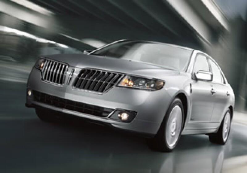 El vehículo usa la tecnología híbrida de segunda generación de la compañía: el motor el motor híbrido I-4 de ciclo Atkinson y 2.5 litros. (Foto: Autocosmos.com)