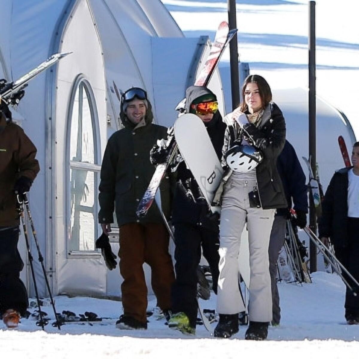 Harry Styles y Kendall Jenner disfrutan de un día en la nieve