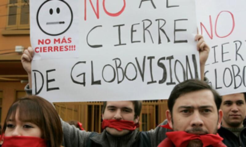 La administración de Chávez mantuvo relaciones tirantes con el canal. (Foto: AP)