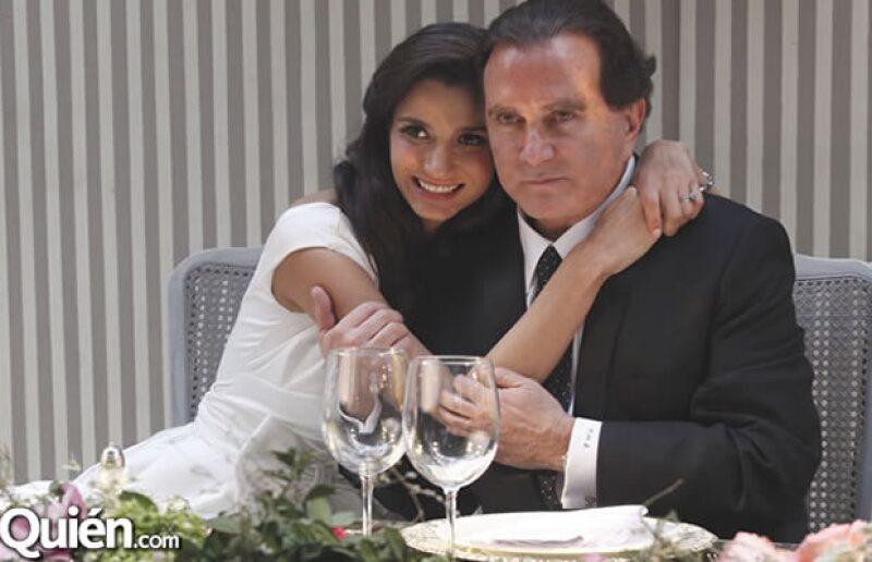 Óscar Mario Beteta y Zyanya Barceló
