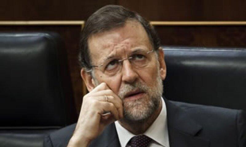 El Gobierno de Mariano Rajoy busca reducir el déficit fiscal de 8.5% en 2011 a 3% el próximo año. (Foto: AP)