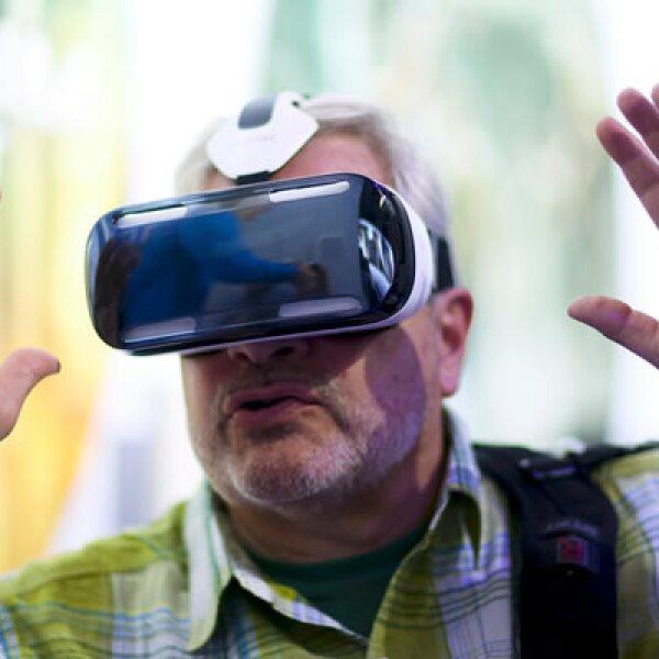 Este aparato funciona como si se estuviera en una sala de cine y muestra imágenes de 360 grados.