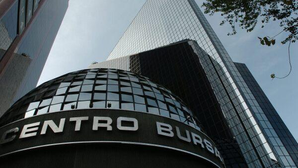 La compañía logró colocar 2 millones 500 mil títulos, por un monto de 250 millones de pesos.