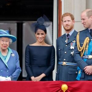 Reina Isabel II, Meghan Markle, príncipe Harry y príncipe William