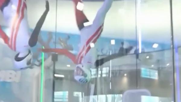 Paracaidismo acrobático bajo techo, el nuevo deporte con campeonatos mundiales