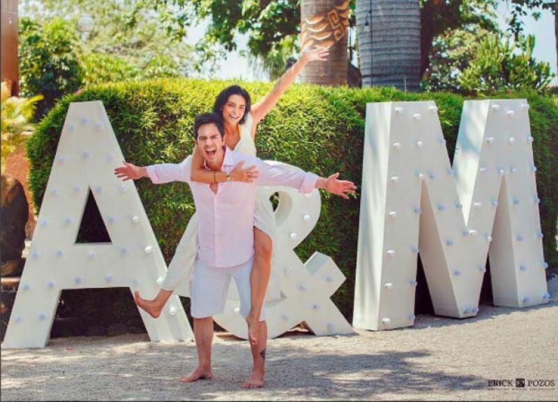 Aislinn se mostró muy agradecida con todos los involucrados para que su boda fuera posible.