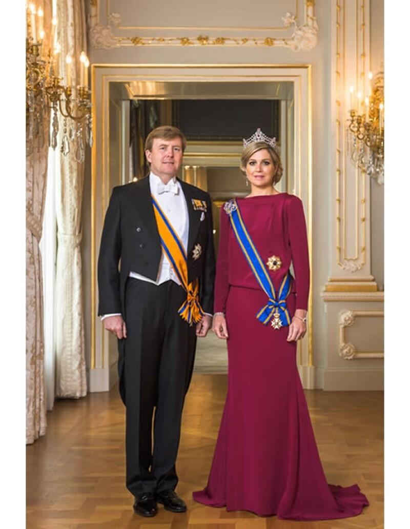 Así lucen Guillermo y Máxima como Reyes de Holanda.