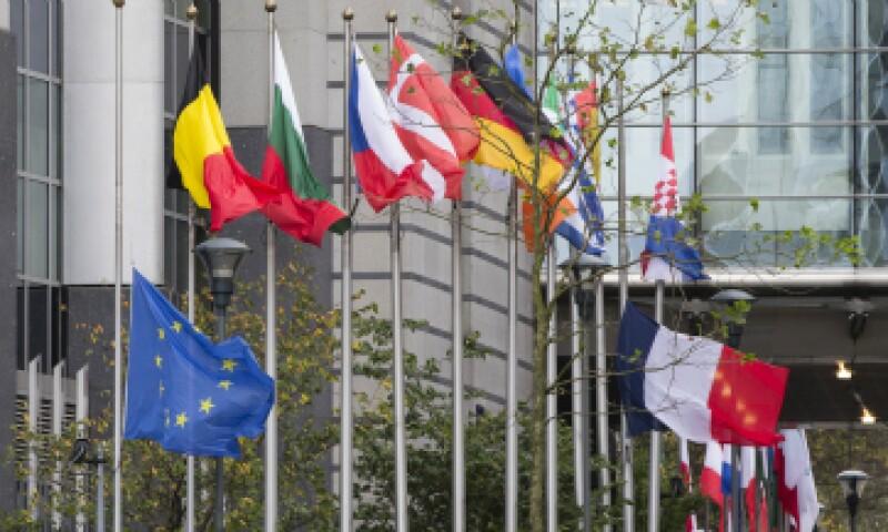 Las banderas de los países miembro de la UE ondean en Bruselas. (Foto: Reuters)