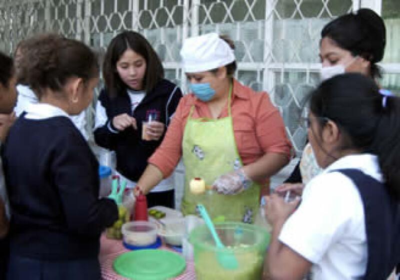 Evita que los niños terminen consumiendo comida chatarra. Con un refrigerio sano y divertido los convencerás(Foto: Archivo Notimex)