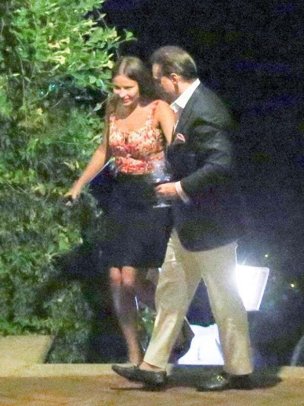 Luis Miguel y su misteriosa novia han sido captados en varias ocasiones, se habla de la relación más estable del intérprete desde su separación de Aracely Arámbula.
