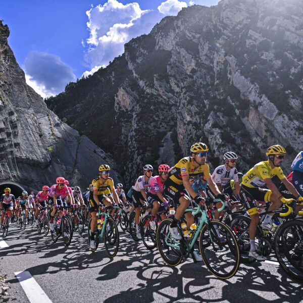 CYCLING-FRA-TDF2020-STAGE3