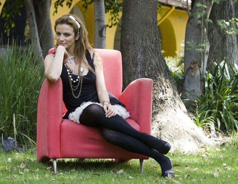 Silvia Navarro interpreta a una mujer que sufre de problemas sexuales en su matrimonio.