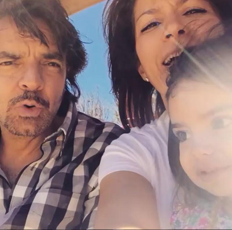 La hija menor de Eugenio Derbez celebra hoy su aniversario, por lo que tanto el comediante como Alessandra Rosaldo, no dudaron en compartir tiernas imágenes y videos felicitándola.