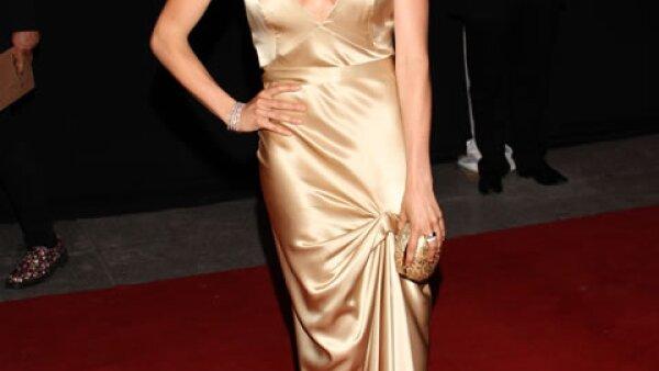 Karla Souza lució espectacular en la entrega de los premios Ariel.