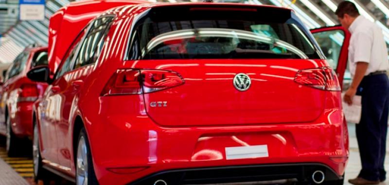 Volkswagen redujo en 24% su producción para este año.