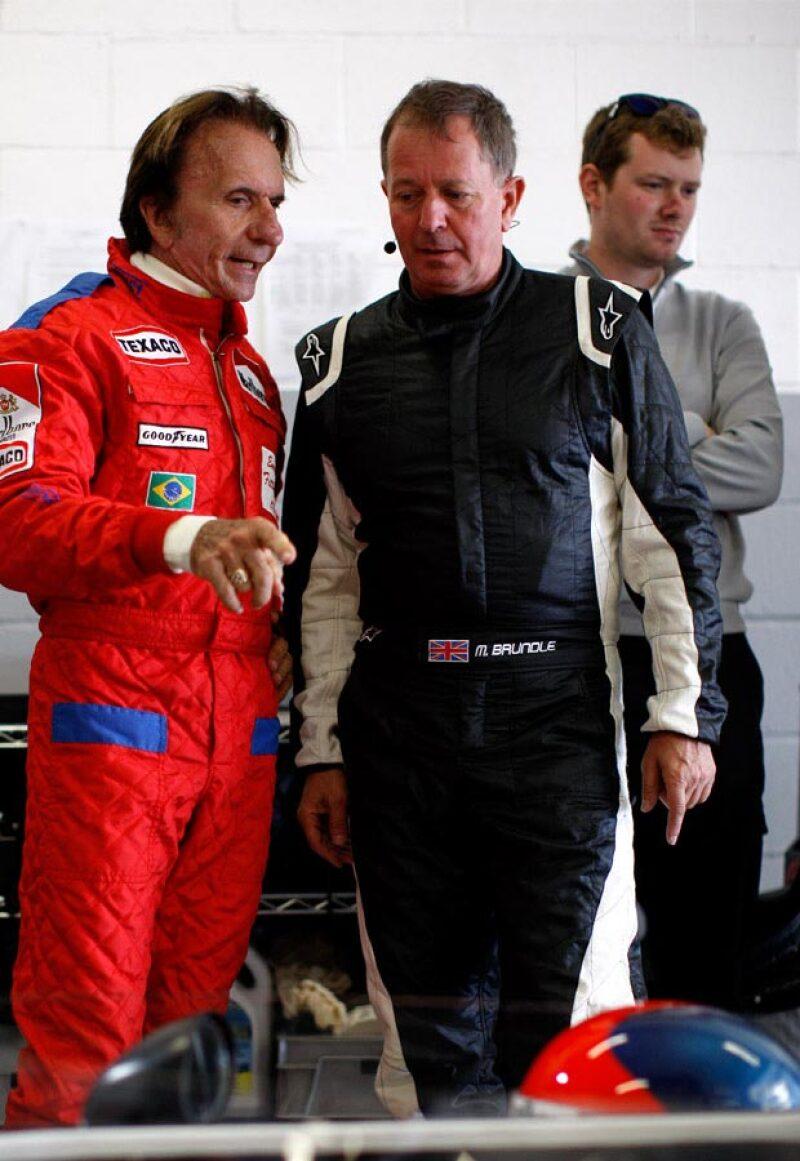Para él, lo más importante es tener perseverancia y disciplina para conseguir cualquier resultado. Aquí lo vemos aconsejando al corredor Martin Brundle.