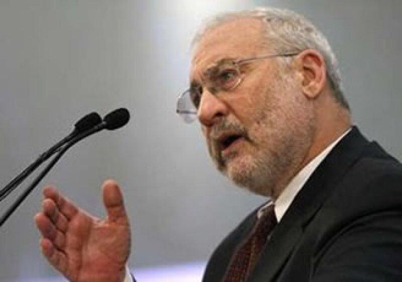 Stiglitz consideró que los países de la UE deben establecer fondos para ayudar a sus miembros con problemas. (Foto: Reuters)