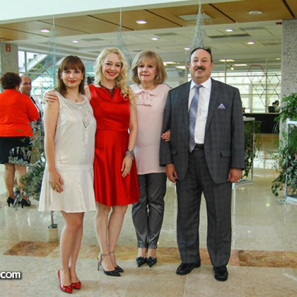 Mara Sepúlveda,Nancy Guzmán,Nancy Rodríguez de Guzmán y Luis Guzmán.