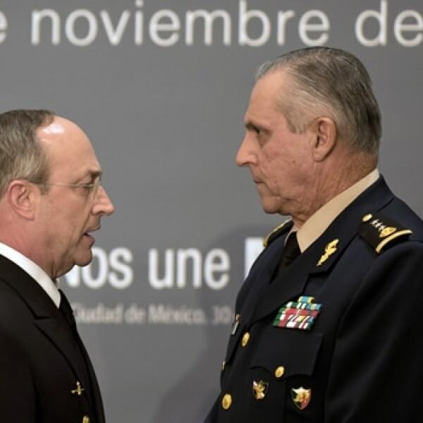 Almirante Vidal Francisco Soberon Sanz y general Salvador Cienfuegos Zepeda