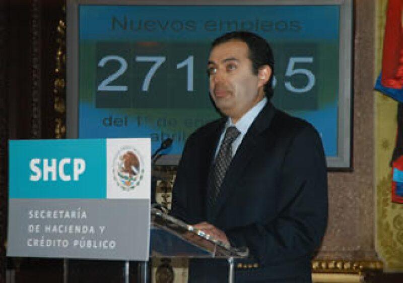 La cifra de trabajadores registrados en el IMSS alcanzó un nivel histórico de 14 millones 882,864, dijo Ernesto Cordero. (Foto: Notimex)
