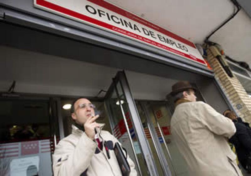 La tasa de desocupación en España se ubica en 19.8%, el mayor nivel de la eurozona. (Foto: AP)