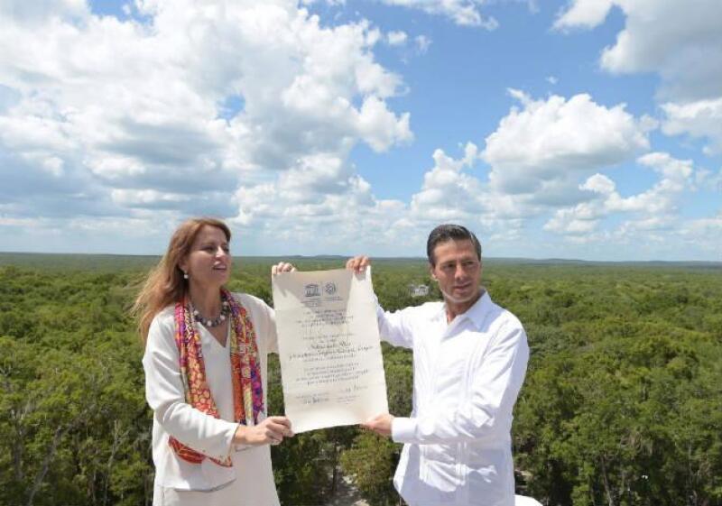 Pe�a Nieto recibe pergamino que acredita a Cakalmul como Patrimonio Mundial de la Humanidad