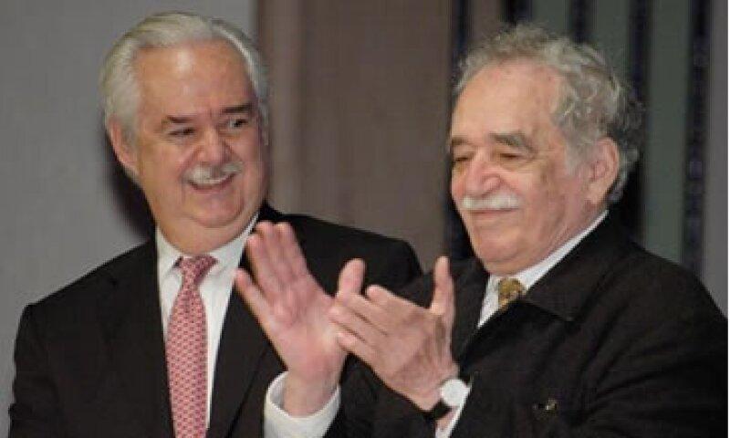 Lorenzo Zambrano colaboró con Gabriel García Márquez (d) en la creación del Premio al Nuevo Periodismo. (Foto: Tomada de @LHZambrano )