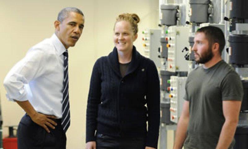El presidente Barack Obama visitó un centro de capacitación laboral en Pittsburgh. (Foto: Reuters)