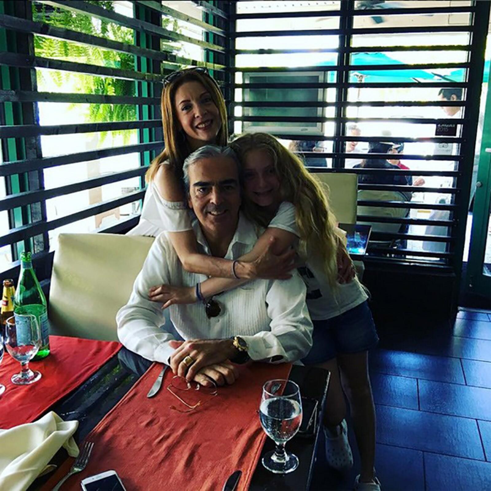 Edith González, Lorenzo Lazo y Constanza Creel.