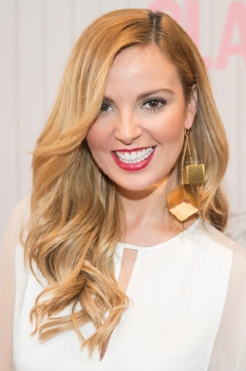 La actriz de TV Azteca está lista para comenzar nuevos proyectos para la televisión y en cuanto a su relación con Armando Torrea, dice que todo marcha a la perfección.