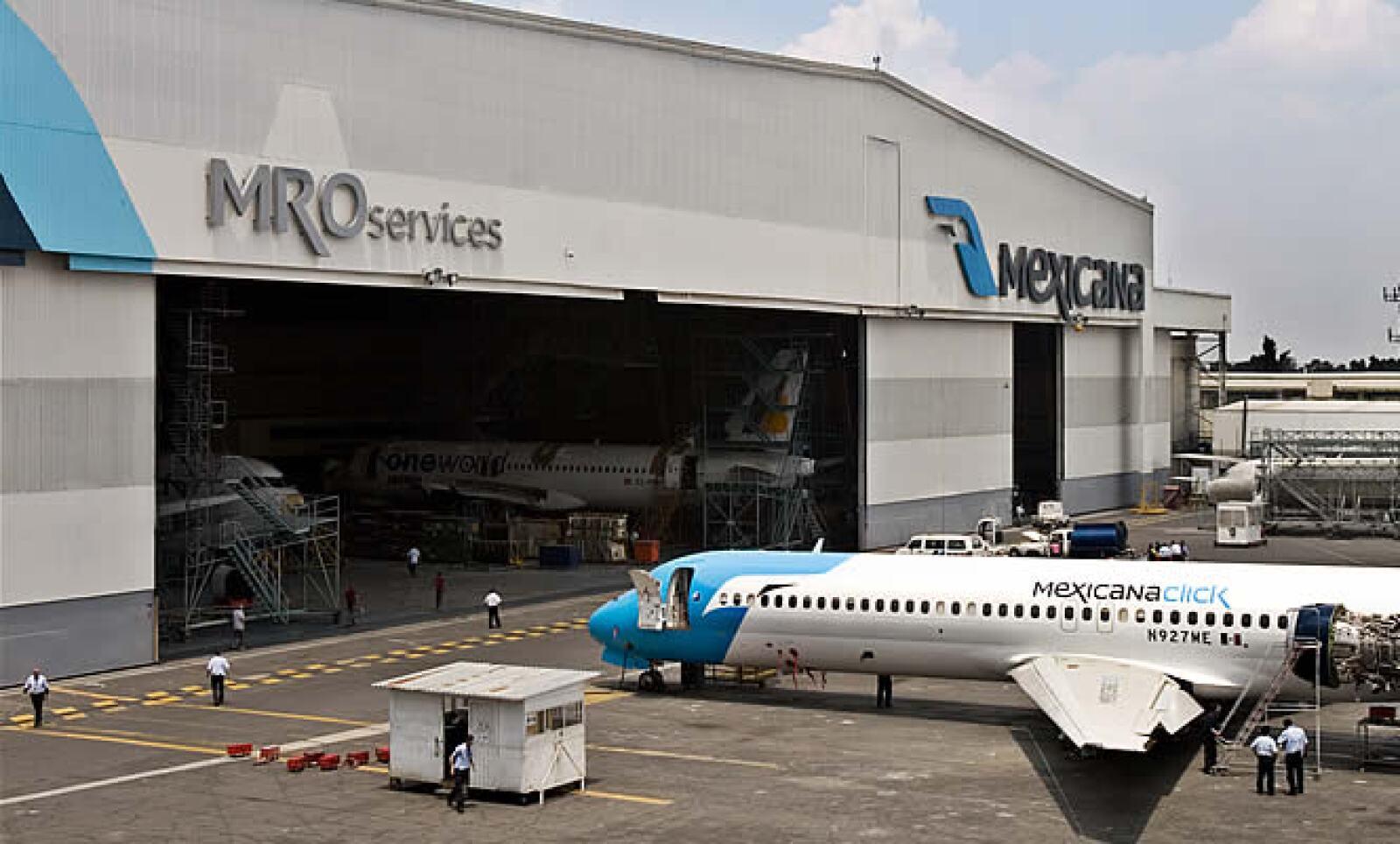 La firma MRO Services de Mexicana cuenta con 2 hangares en el DF uno de reparaciones y otro para pintura y detalles.