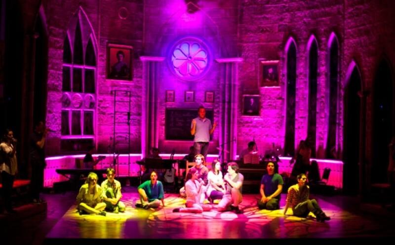 En exclusiva para Quién el productor Omar Catalán nos presentó parte de los ensayos de la obra de teatro que actualmente se exhibe en el teatro San Jerónimo.