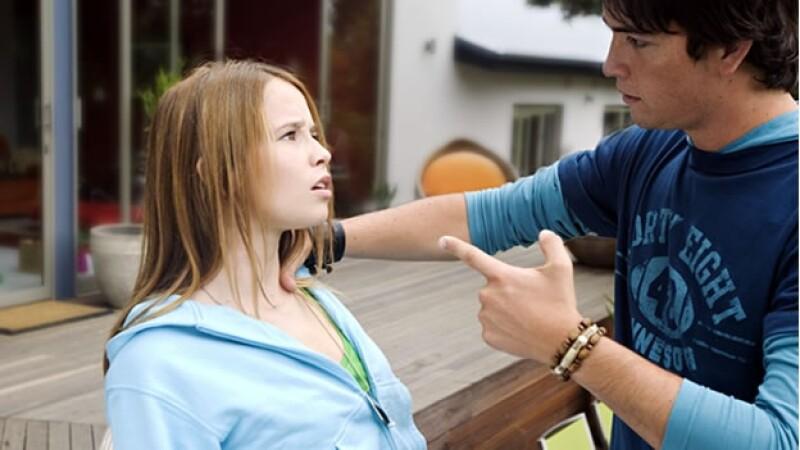 adolescente violento novia novio boyfriend girlfriend