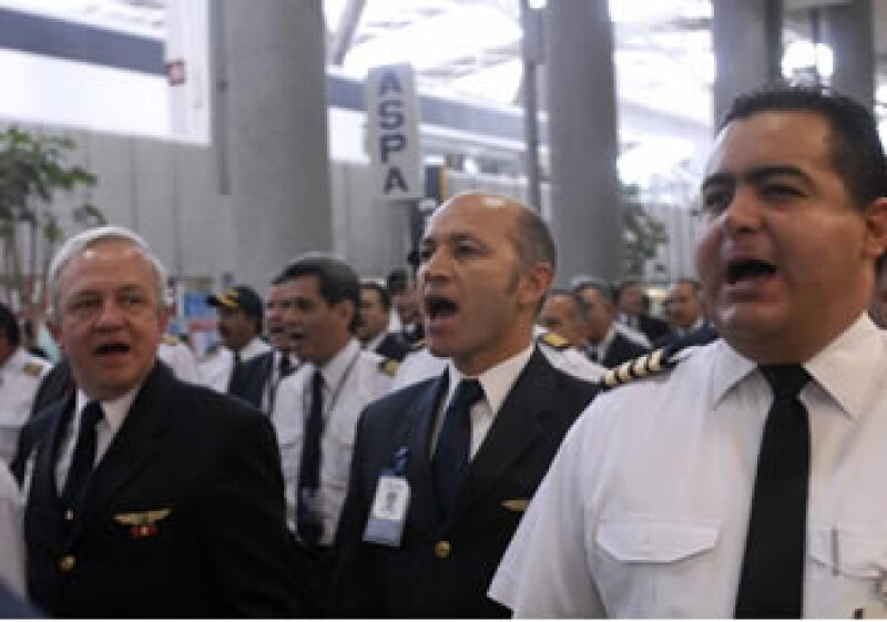 La Asociación Sindical de Pilotos Aviadores pidió ayuda al Gobierno para resolver la crisis de Mexicana. (Foto: Notimex)