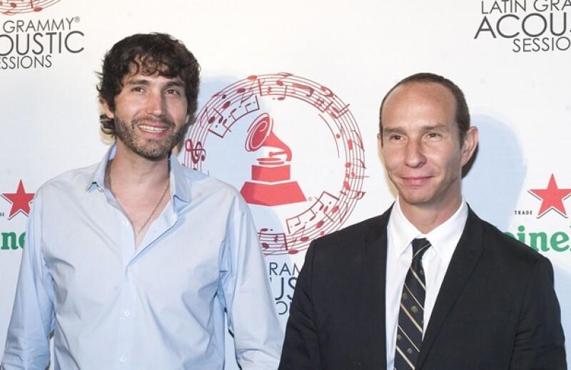 Los ex Timbriche Benny Ibarra y Erick Rubín posaron juntos para las cámaras.