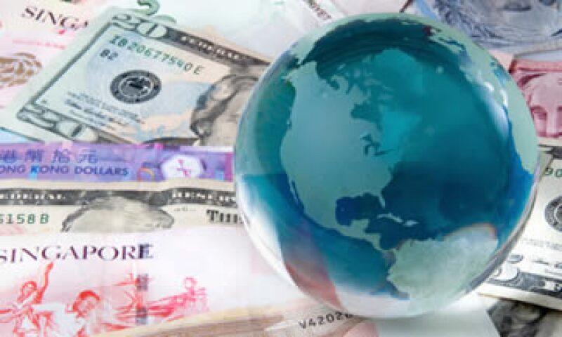 El peso mexicano se vio afectado por el nerviosismo global y termino entre las 10 monedas con mayor depreciación frente al dólar en enero. (Foto: Getty Images)