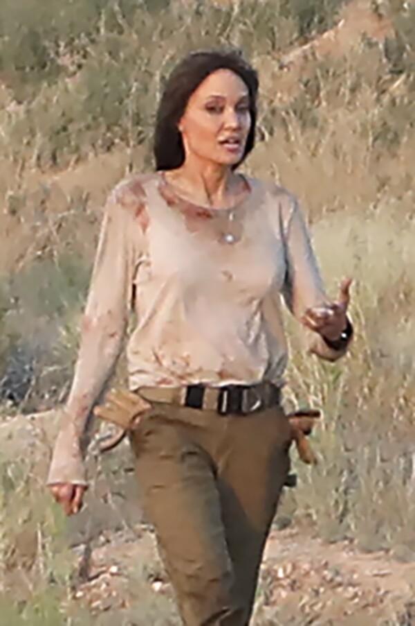 EXC Angelina Jolie