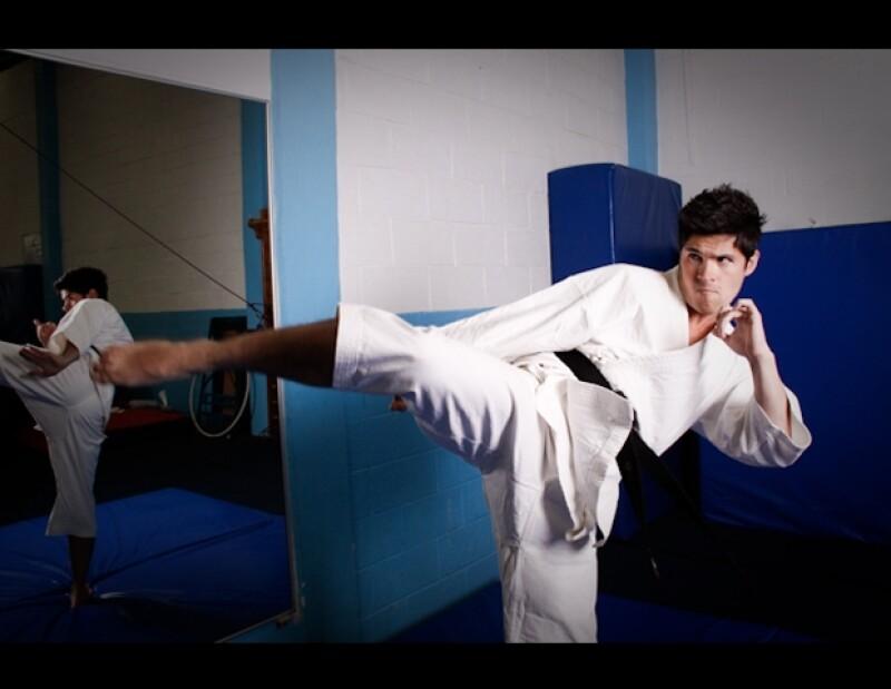 Eleazar Gómez transformado en taekwondoí