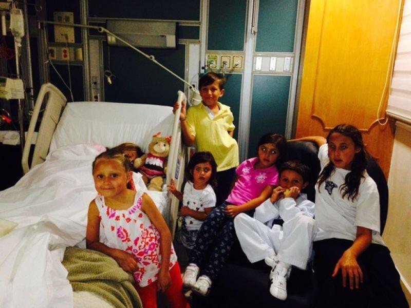 La menor de la familia Peña Rivera recibió la visita de sus amigos.