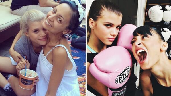 Sofia Richie, la hermana de 16 años de la estrella de televisión, ha comenzado a llamar la atención por su talento e interés en la moda. Fue vista esta semana en NYFW.