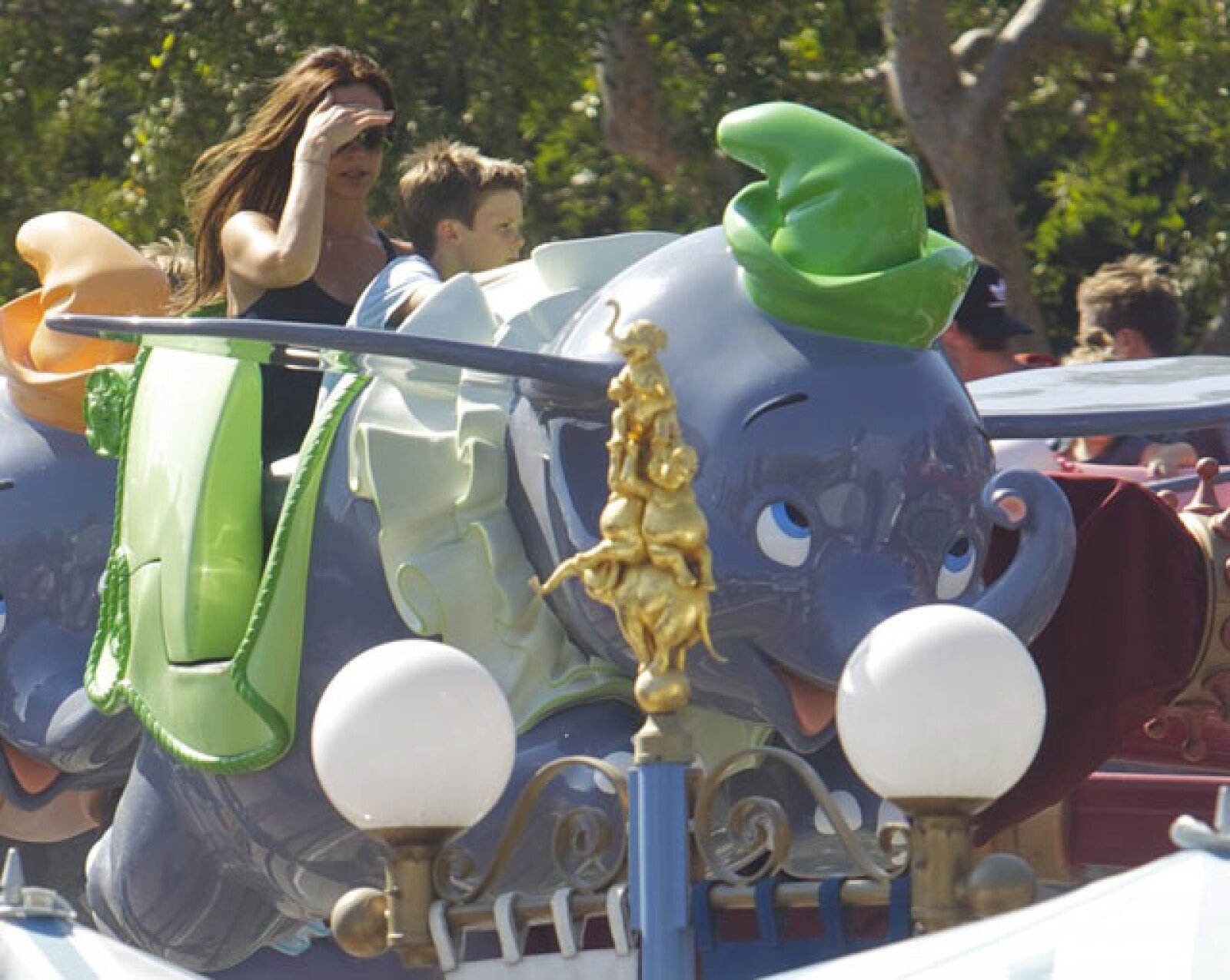 Esta vez la famosa y glamorosa familia aprovechó el fin de semana para pasar un día lleno de sonrisas en Disneyland.
