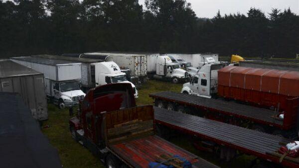 camiones estacionados