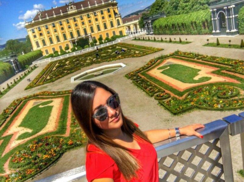 La actriz se tomó un tiempo para ella y se encuentra visitando varias ciudades de Europa, desde donde comparte con sus seguidores cómo se la está pasando.