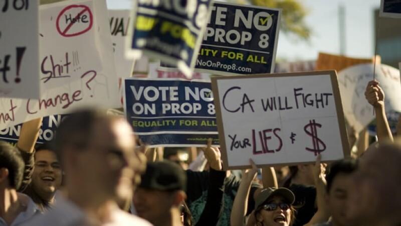 Manifestantes apoyan los matrimonios gay