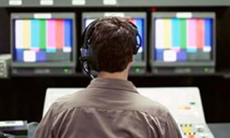 Televisa aceptó desistirse de cualquier recurso legal para obstaculizar la licitación de una tercera cadena de TV. (Foto: Archivo)