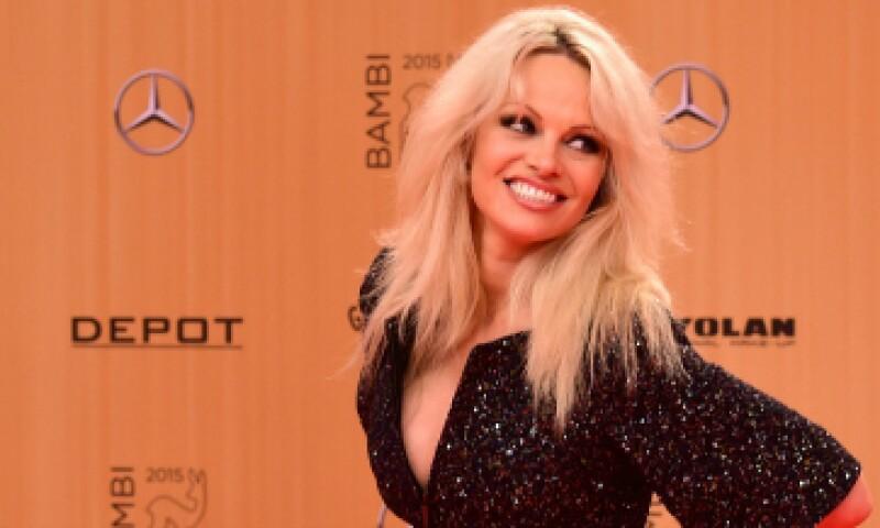 Pamela Anderson se hizo famosa en la serie de televisión 'Guardianes de la bahía'. (Foto: Getty Images)